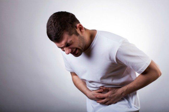 1. kép - Az erős gyomorfájdalom tartozhat a gyomorfekély tünetei közé