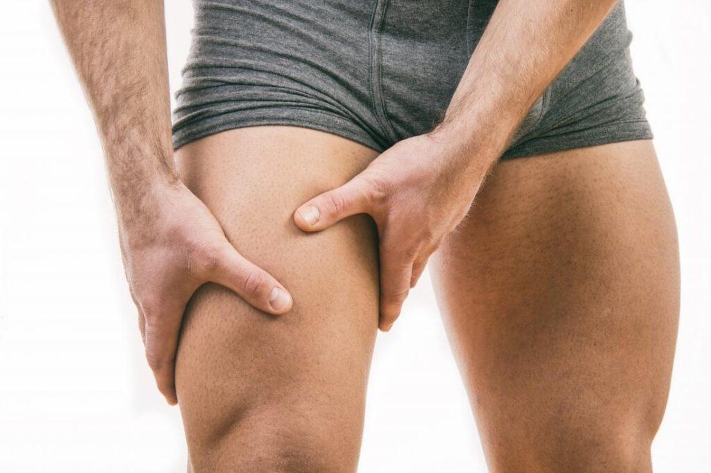 Szúró fájdalom a combban – mi állhat a háttérben?