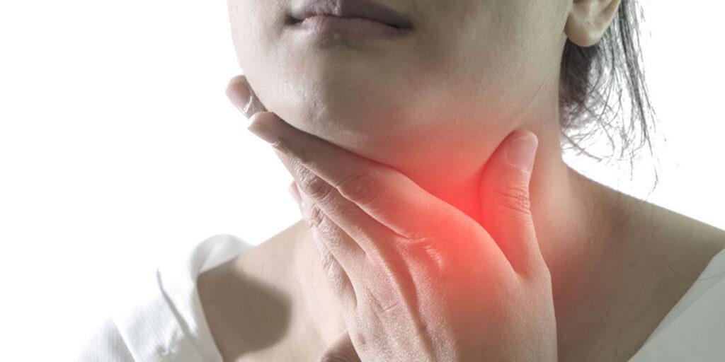 1. kép - a nyirokcsomó duzzanat intő jele a keménysége és a fájdalma