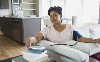Magas vérnyomás lelki okai – mit üzen a testünk?
