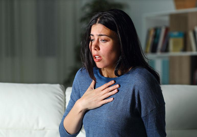 Pánikroham tünetei – ezekre a jelekre érdemes odafigyelnie!
