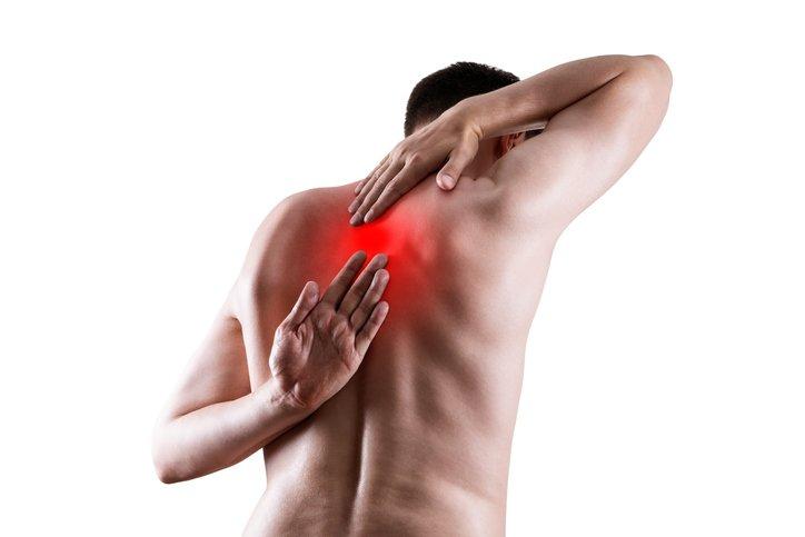 Bal lapocka alatti fájdalom – Mikor érdemes orvoshoz fordulnunk?