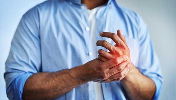 Tenyér fájdalom – vajon miért fáj a tenyér?