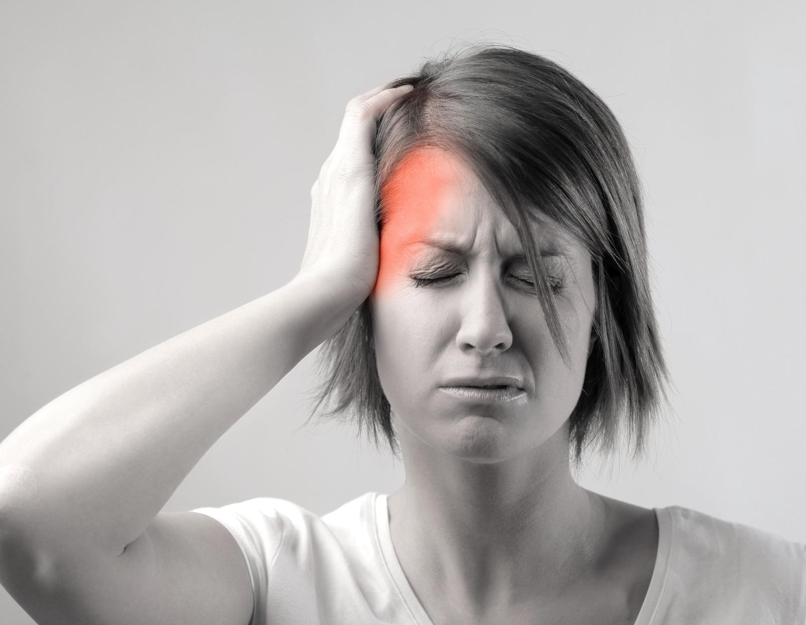 Bal oldali fejfájás – ezek állhatnak a fájdalom hátterében!